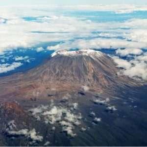 تور صعود به قله کلیمانجارو و آشنایی با وضعیت اکولوژیکی مسیر صعود تا قله