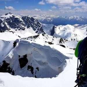 تور صعود به قله کازبک و شناخت وضعیت مناسب جوی برای صعود