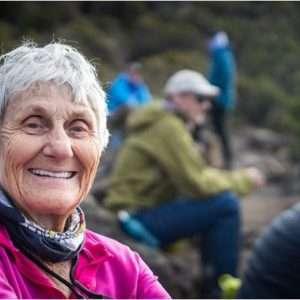 تور صعود به قله کلیمانجارو و آشنایی با مسن ترین و جوان ترین افرادی که قله را صعود کرده اند