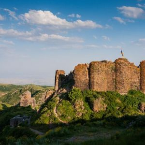 تور صعود به قله آراگاتس ارمنستان و آشنایی با اماکن تاریخی ارمنستان